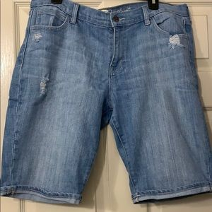 Old Navy Distressed Sweetheart shorts size 14